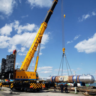 ATF400G-6 機器重量 Wt=80ton 船積み風景